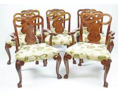 Impresionante conjunto de 8 sillas de comedor de nogal y caoba de estilo del rey Jorge II de Inglaterra y de finales del siglo XIX.