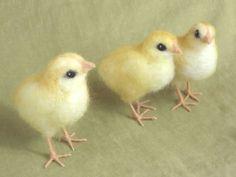 needle felted chicks.The amazing-needle-felted-animals-of-hannah-stiles.