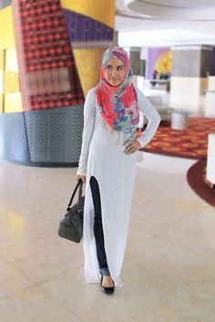 White Dress | Siti Juwariyah- this looks like a very comfy, yet stylish outfit..for me- minus the head cover