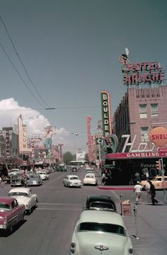 Vintage Las Vegas — Downtown Las Vegas, July Photo by Gene. - Aesthetic , aesthetic retro Vintage Las Vegas — Downtown Las Vegas, July Photo by Gene. 70s Aesthetic, Aesthetic Collage, Aesthetic Vintage, Aesthetic Pictures, Aesthetic Drawings, Flower Aesthetic, Summer Aesthetic, Aesthetic Fashion, Aesthetic Backgrounds