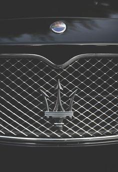 car, maserati logo