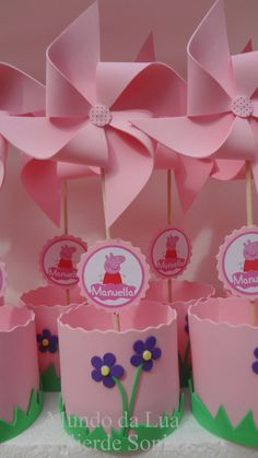 Pinwheels, cricut name and image branding Pig Birthday Cakes, 2nd Birthday Parties, Baby Birthday, Fiestas Peppa Pig, Cumple Peppa Pig, Peppa E George, George Pig, Bolo Da Peppa Pig, Papa Pig
