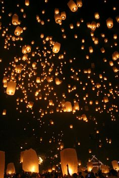 This is the Chiang Mai Floating Lanterns Festival in Thailand. For my birthday I just want to go see the floating lights. Floating Lantern Festival, Floating Lanterns, Sky Lanterns, Floating Lights, Chiang Mai, Oh The Places You'll Go, Places To Travel, Beautiful World, Beautiful Places