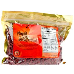 Ningxia wolfberries are powerful antioxidants and provide an array of nutrients and protein as one of natures most nutritious fruits. Slightly tart in flavor. It can be added to baked goods, cereal, salads, trail mix and more. Young Living Oils, Young Living Essential Oils, Young Living Business, Ningxia Red, Living Essentials, Therapeutic Grade Essential Oils, Healthy Snacks, Healthy Habits, Health And Wellness