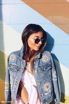 Daisy Patched Denim Jacket Jetzt bestellen unter: https://mode.ladendirekt.de/damen/bekleidung/jacken/sonstige-jacken/?uid=917dcb78-e6b7-5650-9688-e5edb442ca39&utm_source=pinterest&utm_medium=pin&utm_campaign=boards #women's #accessories #clothing #outerwear #sonstigejacken #bekleidung #jacken Bild Quelle: forever21.com