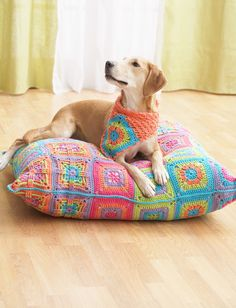 Yarnspirations.com+-+Bernat+Dog+Bed+and+Kerchief++|+Yarnspirations