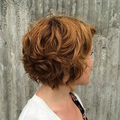 60 Layered Bob Styles: Modern Haircuts with Layers for Any Occasion - - Short Chestnut Brown Curly Hair Layered Bob Short, Haircuts For Wavy Hair, Short Layered Haircuts, Layered Bob Hairstyles, Modern Haircuts, Short Hair With Layers, Natural Wavy Hairstyles, Short Wavy Hairstyles For Women, Funky Hairstyles
