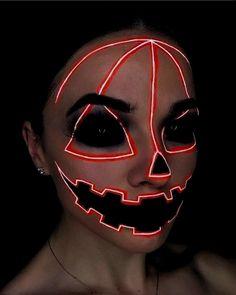 Halloween Makeup Clown, Amazing Halloween Makeup, Halloween Costumes, Easy Clown Makeup, Halloween Photos, Vintage Halloween, Halloween Make Up Scary, Zombie Makeup Easy, Halloween Face