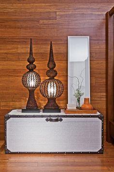 18 environments with inspiring décor, Home Accessories, Artefacto Show Curitiba. Contemporary Furniture, Console Table, Home Accessories, Environment, Shelves, Interior Design, Architecture, Beach House, Wordpress