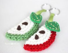 Repeat Crafter Me: Crochet Apple Slice Keychain