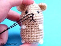How to Embroidery Amigurumi Hamster Muzzle (Translated from Japanese Page) http://translate.google.com/translate?hl=es?sl=auto&tl=en&u=http%3A//amigurumisouko.web.fc2.com/hamu-amizu2.html