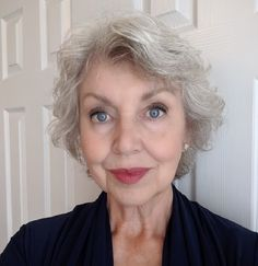 Beauty Routines After 60 - Care - Skin care , beauty ideas and skin care tips Beauty Secrets, Beauty Hacks, Beauty Tips, Beauty Ideas, Beauty Products, Makeup For Over 60, Makeup Tips After 60, Makeup Tips For Older Women, Face Care Routine