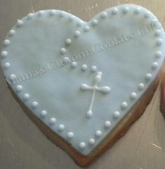 Large Religious Heart Cookie with cross by Mama's Custom Cookies. Cross Cookies, Fancy Cookies, Heart Cookies, Valentine Cookies, Iced Cookies, Cute Cookies, Easter Cookies, Royal Icing Cookies, Cookies Et Biscuits