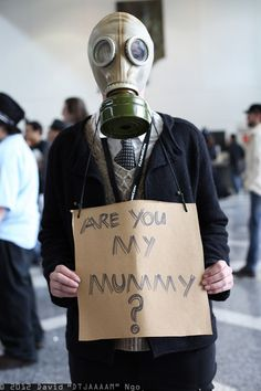 David Ngo's Empty Child cosplay from Doctor Who. No, I'm not your mummy, stay away from me!!!