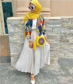 Trendy hijab style 2019 – Just Trendy Girls Modern Hijab Fashion, Muslim Fashion, Modest Fashion, Skirt Fashion, Fashion Outfits, Casual Hijab Outfit, Hijab Chic, Hijab Dress, Modest Dresses