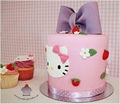 Hello Kitty Cake by Julycupcakes, via Flickr