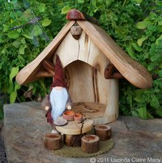 Isn't this quaint and awesome? I want one to display!