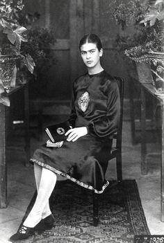 Traveling through history of Photography...and Art...Frida Kahlo age 18, photo by Guillemero Kahlo, 1926.