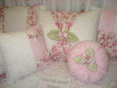 https://flic.kr/p/7ibhmW | Kit Cama - Provençal floral rosa com branco | Para contato: Email via Flickr ou direto em karolfotos@gmail.com