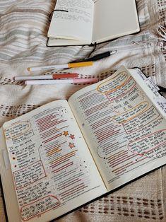 Bible Study Notebook, Bible Study Journal, Scripture Study, Bible Art, My Bible, Cute Bibles, Bibel Journal, Bible Doodling, Bible Notes