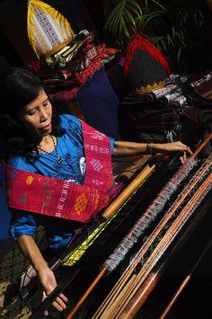 Kontes Foto Indonesia 2013 - Ulos Tarutung