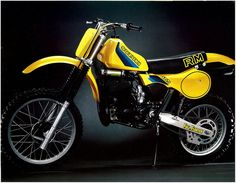 1982 very fast bike. Suzuki Dirt Bikes, Suzuki Motocross, Mx Bikes, Suzuki Motorcycle, Motocross Bikes, Moto Bike, Road Bikes, Motocross Vintage, 2 Stroke Dirt Bike