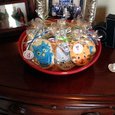 #danieltiger Daniel Tiger Party favor cookies