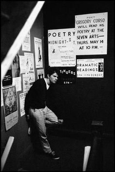 Photos of the beatnik movement in Greenwich Village, home to Jack Kerouac, Allen Ginsberg, and the thriving Beat Generation. Anne Sexton, Beat Generation, Writers And Poets, Patti Smith, Coffee Gallery, Beatnik Style, Just Kids, Pin Up, Jack Kerouac