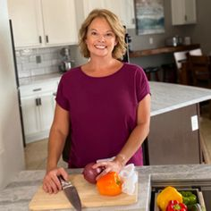 Today I have a great recipe to share with you. This healthy spaghetti sauce recipe is delicious. It's a 21 Day Fix spaghetti sauce so I can enjoy it without destroying my container counts for the day! Ww Recipes, Soup Recipes, Chicken Recipes, Shake Recipes, Dinner Recipes, Egg Bites Recipe, Recipe 21, Healthy Bagel, Healthy Breakfasts