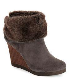 Grey suede booties with fur