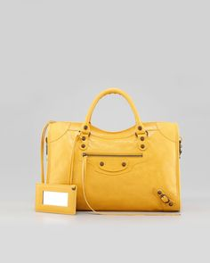 Zip it...or speak out, whichever you prefer.  27 zipper-detailed bags that are ready to go.  http://www.gojee.com/discover/bags/classic-city-bag