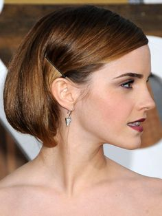 Emma Watson is Rocking a Cute Little Faux Bob - Beauty Editor: Celebrity Beauty Secrets, Hairstyles