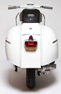 """1962 Vespa or the """"pregnant duck"""" as the lambretta riders used to call it! Piaggio Vespa, Scooters Vespa, Motos Vespa, Lambretta Scooter, Motor Scooters, Vespa Motorbike, Vintage Vespa, Classic Vespa, Scooter Girl"""