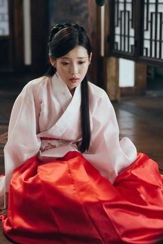 Moon Lovers - Scarlet Heart Ryeo Episode 19 New Stills cr: dramabobo Traditional Fashion, Traditional Outfits, Scarlet Heart Ryeo Wallpaper, Iu Twitter, Iu Hair, Wang So, Korean Hanbok, Moon Lovers, Korean Star