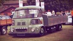 Alternative Builds with a UK twist - COE and others. Mini Trucks, Cool Trucks, Cool Cars, Dropped Trucks, Vintage Pickup Trucks, Old Commercials, Cars Land, Cab Over, Custom Vans