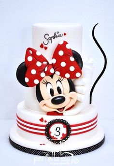 Minnie Cake Cake By: Perfetta Cake Design Mickey Mouse Torte, Torta Minnie Mouse, Mickey And Minnie Cake, Bolo Mickey, Minnie Mouse Birthday Cakes, Mickey Cakes, Mickey Birthday, Minnie Mouse Cake Design, Minnie Cupcakes