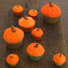Halloween cupcakes that look like little pumpkins! So cute!