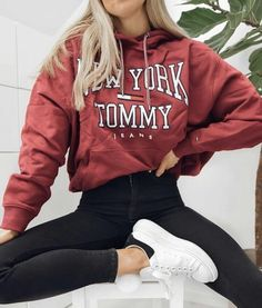 teenager outfits for school ~ teenager outfits ; teenager outfits for school ; teenager outfits for school cute Teenager Outfits, Girls Fall Outfits, Trendy Fall Outfits, Fall Outfits For School, Cute Comfy Outfits, Teen Fashion Outfits, Mode Outfits, School Wear, School School
