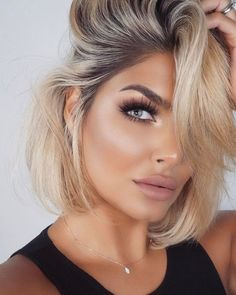 lip colors in 2019 edgy blonde hair, makeup for w Edgy Blonde Hair, Beauté Blonde, Light Blonde Hair, Beige Blonde, Blonde Makeup, Blue Eye Makeup, Skin Makeup, Beauty Makeup, Hair Beauty