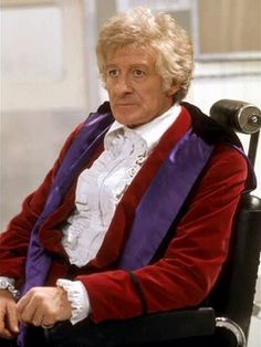 Doctor Who - incarnation (Jon Pertwee) 1970 - 1974 Dr Who Companions, Doctor Who Costumes, Doctor Who Funny, Jon Pertwee, Classic Doctor Who, Broadchurch, Action, Classic Series, Torchwood