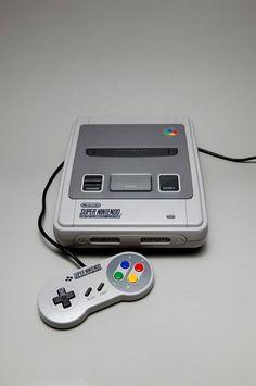 Super Nintendo Entertainment System   Preis: ca. 44€ Aufnahme: ca. 65€