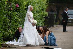 ♥♥♥  5 problemas comuns com o vestido de noiva e como lidar com eles Você é daquelas que se apavora só de pensar em ter um problema com o seu vestido de noiva? Se o problemas rolar, relaxa, a gente pode te ajudar! http://www.casareumbarato.com.br/5-problemas-vestido-de-noiva/