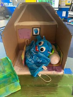 This is what some children created for their Your Teacher's Pet Creature. A cool chair and his own little house out of recyclable materials. Classroom Behavior Management, Behaviour Management, Teacher's Pet, Positive Behavior, Cute Plush, Big Challenge, Child Love, Early Childhood Education, Your Teacher