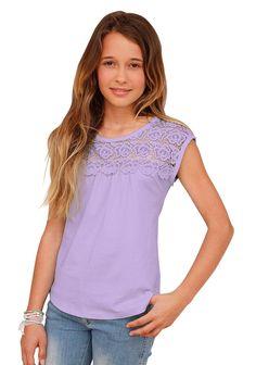 Produkttyp , T-Shirt, |Qualitätshinweise , Hautfreundlich Schadstoffgeprüft, |Materialzusammensetzung , Obermaterial: 100% Baumwolle. Spitze: 100% Baumwolle, |Material , Jersey, |Farbe , Flieder, |Passform , ausgestellte Form, |Schnittform/Länge , hüftlang, |Besondere Merkmale , Passe vorn und hinten ist aus Spitze, |Ausschnitt , Rundhals, |Ärmelstil , ohne, |Armabschluss , Kante abgesteppt, |S...