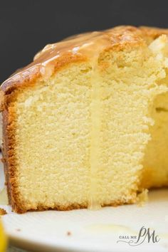 Old Fashioned Blue Ribbon Pound Cake recipe is bursting with flavor. Always popular. Traditional pound cake, this recipe has been passed down for generations. Original Pound Cake Recipe, Vanilla Pound Cake Recipe, Butter Pound Cake, Pound Cake Recipes, Easy Cake Recipes, Baking Recipes, Dessert Recipes, Best Pound Cake Recipe Ever, Ricotta Pound Cake