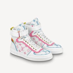 White Louis Vuitton, Louis Vuitton Boots, Louis Vuitton Sneakers, Dr Shoes, Only Shoes, Cute Shoes, Jordan Shoes Girls, Girls Shoes, Fashion Slippers