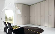 Corner wardrobe | Combi System corner wardrobe in melamine hemp, hemp lacquered handle.