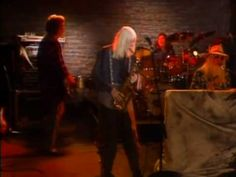 ▶ Edgar Winter featuring Leon Russell [Live at Main St. Café, Murfreesboro, Tennessee May - Harlem Nocturn / Autumn Leaves ~ Edgar blows his sax into Autumn Leaves and back to Harlem Nocturn - Magical duo, enjoy! 70s Music, Blues Music, Music Icon, Music Songs, Music Videos, Leon Russell, Jazz Standard, Joe Cocker, First Love