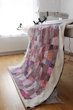 Longarm Handi Quilter Amara. Quilting Studio. Handi Quilter, Longarm Quilting, Home Accessories, Quilts, Blanket, Studio, Bed, Scrappy Quilts, Stream Bed