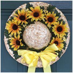 Sunflower Straw Hat Door Wreath by CarolewithanEcrafts on Etsy Hat Crafts, Wreath Crafts, Diy Arts And Crafts, Sunflower Crafts, Sunflower Wreaths, Umbrella Wreath, Scarecrow Wreath, Hat Decoration, Summer Wreath